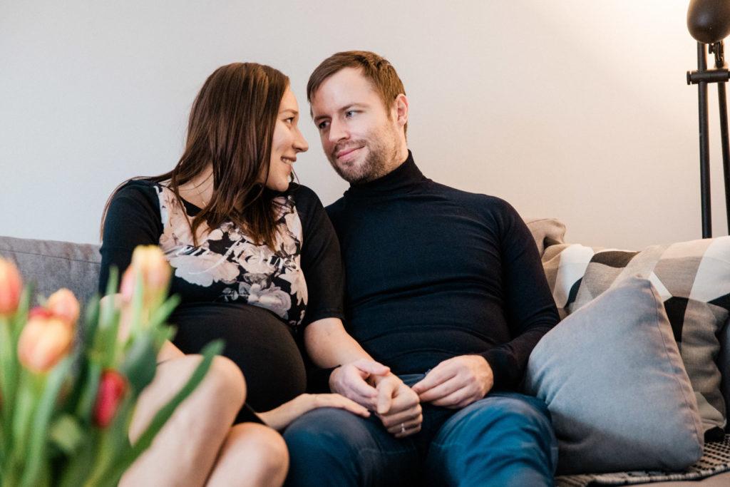 Homestory mit werdenden Eltern